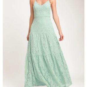 NWT Lulu's Lace Tiered Maxi Dress